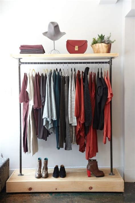 Cool Clothing Racks by 6 New Cool Ways To Arrange Your Clothes On A Rack Daily