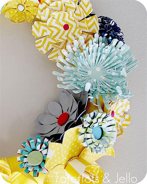 Make A Paper Wreath - make a paper wreath