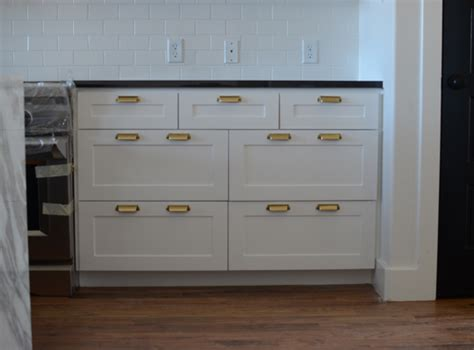 Drawer Pull Placement by Cabinet Hardware Wills Casawills Casa
