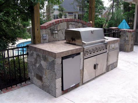small outdoor kitchens on outdoor kitchens