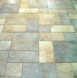what s the difference between porcelain and ceramic tile