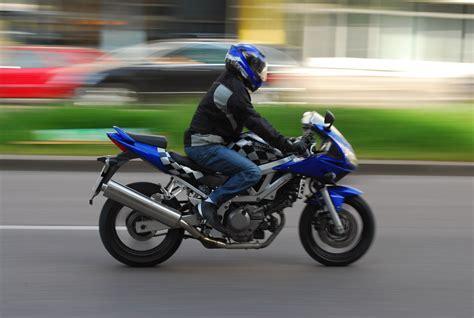 Motorrad Fahrer by Tempolimit F 252 R Minderj 228 Hrige Motorradfahrer Wird