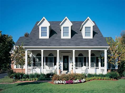 colonial style home ranch style house american colonial style homes colonial