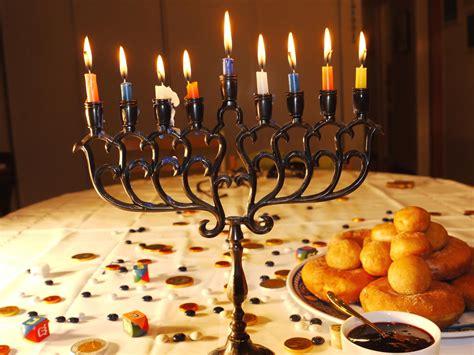 hanukkah candle lighting prayer winter celebrations