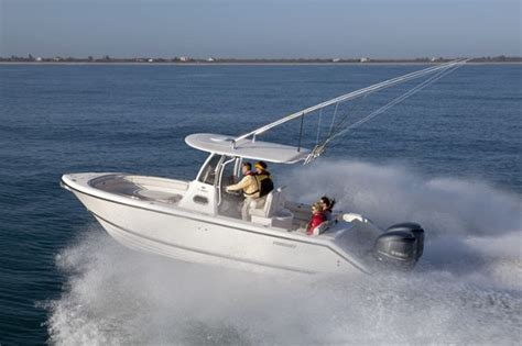 are pursuit boats good pursuit c 260 fishing at the canyons with class boats