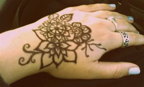 tattoo looks like pen henna designs easy with marker makedes com