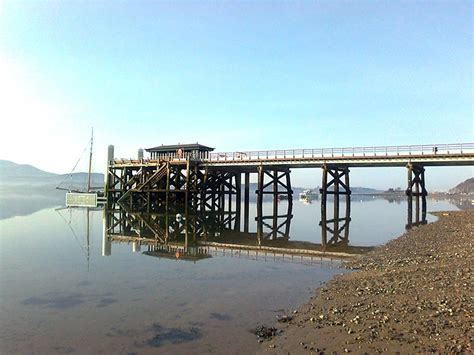 Cottage Building gallery beaumaris pier photo0372