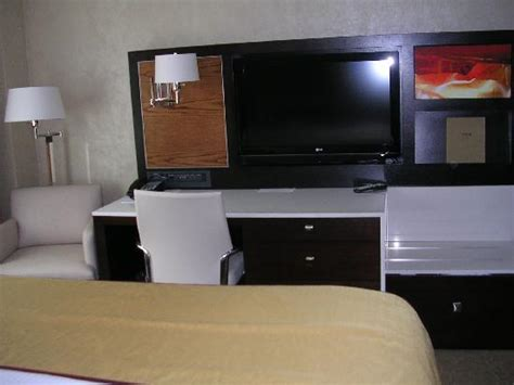 Desk At Foot Of Bed by Tv Desk At Foot Of Bed Picture Of Staybridge Suites