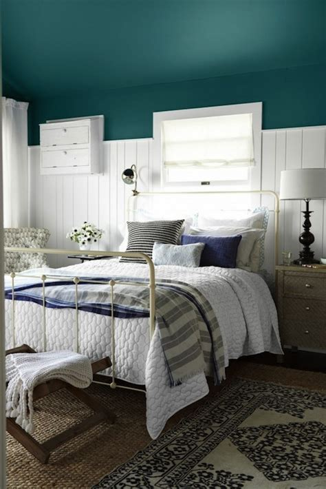 peacock blue bedroom peacock blue walls country bedroom benjamin moore