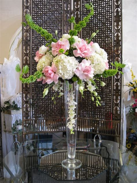 Wedding Bell Hydrangea by Pink White Green Wedding Centerpiece With Roses
