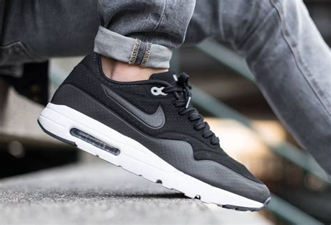 nike air max 90 essential harga