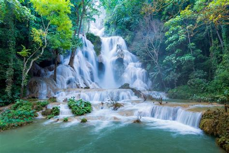 kuang  waterfalls luang prabang tourist destination