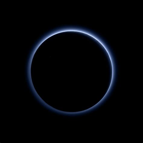 color of pluto scientists just got a glimpse at the color of pluto