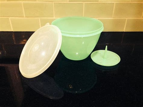 Tupperware Lucky Bowl 5pcs tupperware lettuce crisper by motherjoansvintage on etsy 8 00 vintage tupperware i m gonna