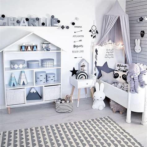 bookshelves for baby room 25 best ideas about room shelves on boys