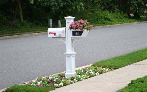 mailbox with planter 15 ways to jazz up your mailbox garden pics and tips