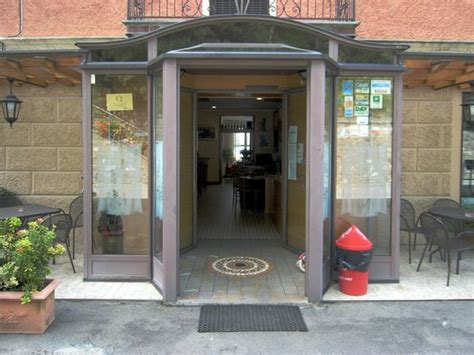 ingresso albergo l ingresso dell albergo ristorante foto di ristorante