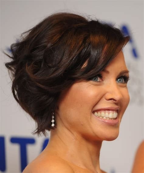 Dannii minogue hairstyles celebrity short bob haircut from dannii