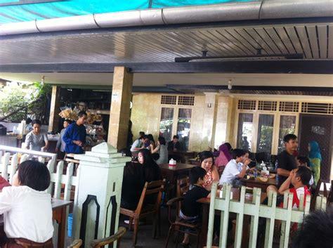 dari penjual es krim sai menjadi ibu rumah tangga 7 wisata kuliner es krim legendaris di indonesia