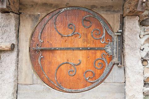 porte tonde passez un s 233 jour dans une maison de hobbit tolkiendrim