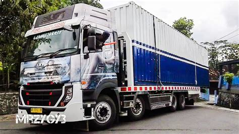 quester  loader truck moving mobile container office
