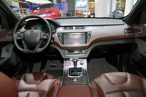 land wind interior landwind x7 photo gallery autoblog