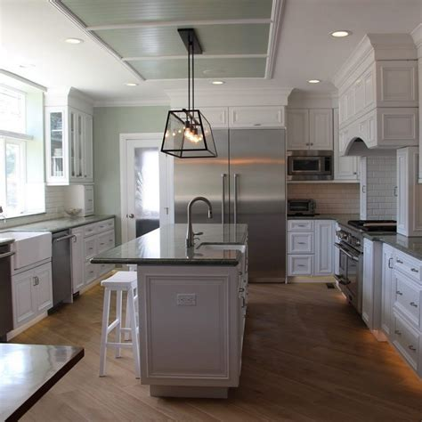 Grey Kitchen Cabinets With Black Countertops by Light Grey Kitchen Cabinets With Countertops Ski