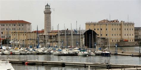 La Di Trieste by Lanterna Di Trieste Trieste Zonzofox