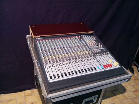 Mixer Allen Heath Gl2400 16 allen heath gl2400 16 image 425068 audiofanzine