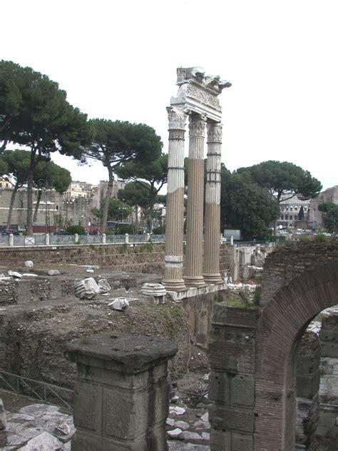 Las Tempel Velcro No 180 file romaforocesaredanord jpg wikimedia commons