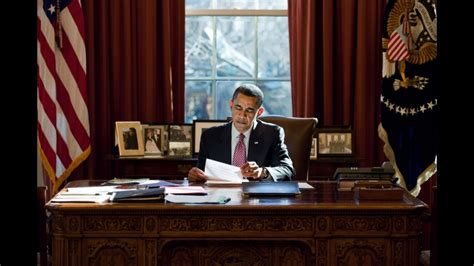 Obama At Desk | plouffe obama to detail budget plan this week neon tommy