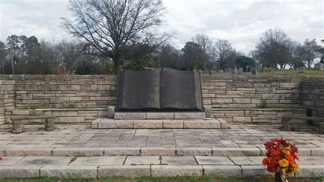 Woodlawn Memorial Gardens by Find A Grave Woodlawn Memorial Park