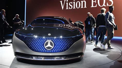 video mercedes eqs concept puts   awesome light show