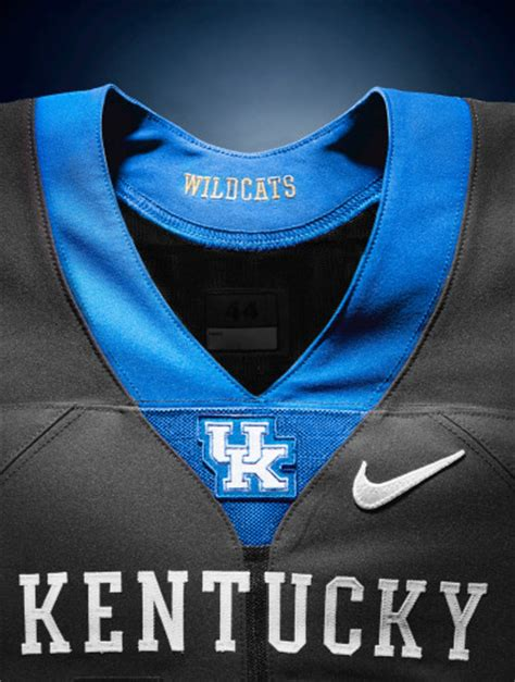 Sport Logo Nike Instant Kerudung Instant 1 the new kentucky wildcats logo looks like chewbacca mated with a staple remover sbnation