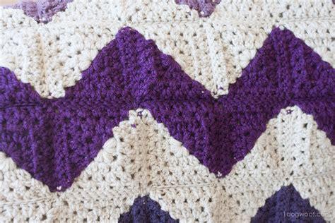 use pattern en español granny squares chevron afghan crochet pattern one dog woof