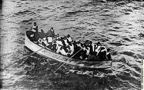 titanic boat survivors all eyes on the rescue ship