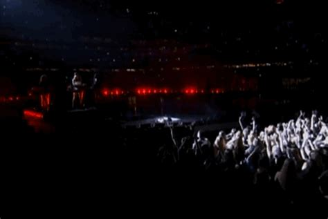 beyonce vulture mp download super bowl beyonce gif by vulture com find share on giphy