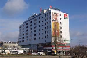 hotel file ibis hotel zob berlin jpg wikimedia commons