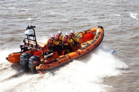 golden retriever rescue maritimes rnli new brighton news release on rescue of golden retriever broadly boats news