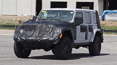 2018 jeep wrangler interior fully revealed 2018 jeep wrangler s interior fully revealed in photos