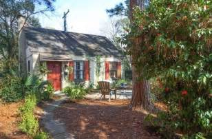 summer house cottage rentals tiny cottage vacation rental in