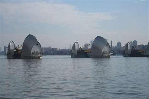 when will the thames barrier need replacing future technologies