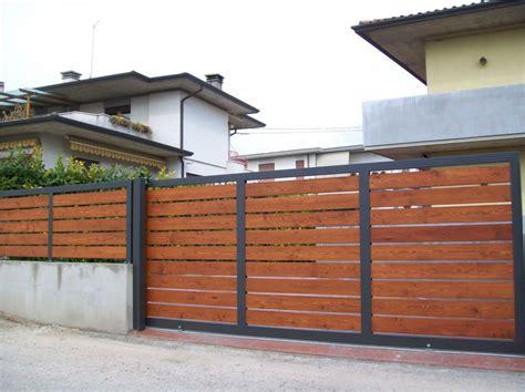 ringhiera in legno per giardino recinzioni e cancelli