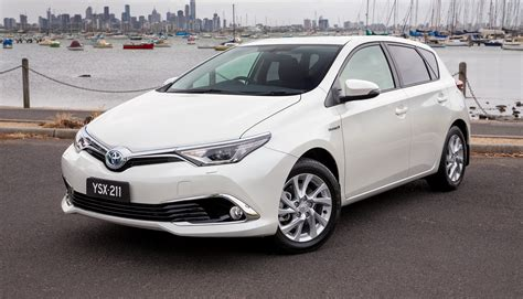 toyota corola toyota corolla hybrid hatch coming to australia in 2016