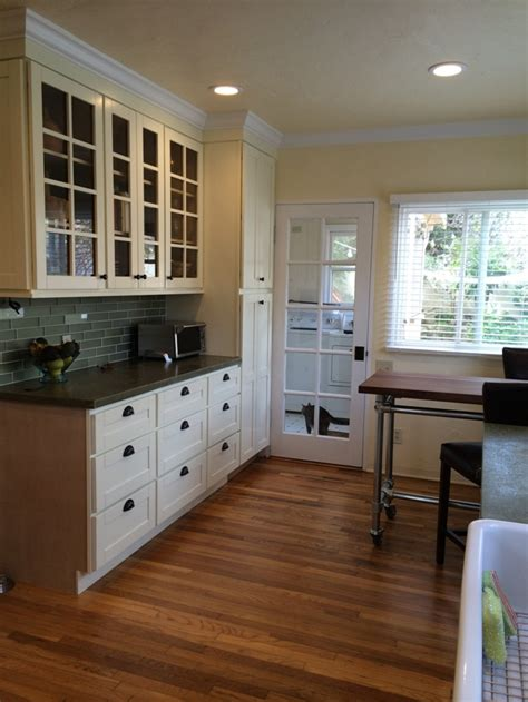cream colored painted kitchen cabinets cream colored beech shaker kitchen cabinets