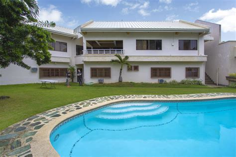 4 bedroom house with pool for rent 4 bedroom house for rent with swimming pool in lahug cebu grand realty