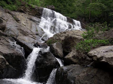 places near mumbai chinchoti best waterfall near mumbai