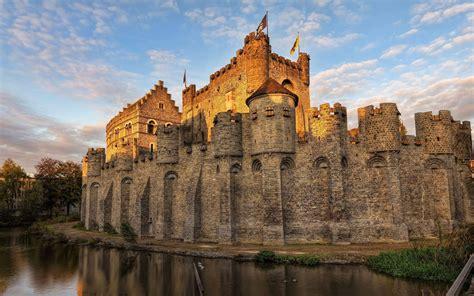 castle wallpaper castle desktop backgrounds wallpaper cave