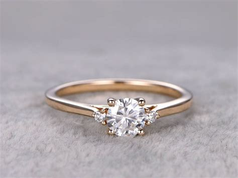 Moissanite Diamond Engagement Rings Yellow Gold 14k/18k 0