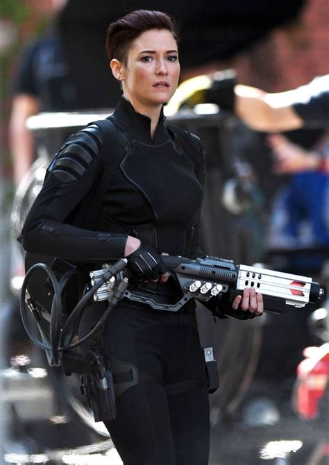 chyler leigh alex danvers fighting crime  national